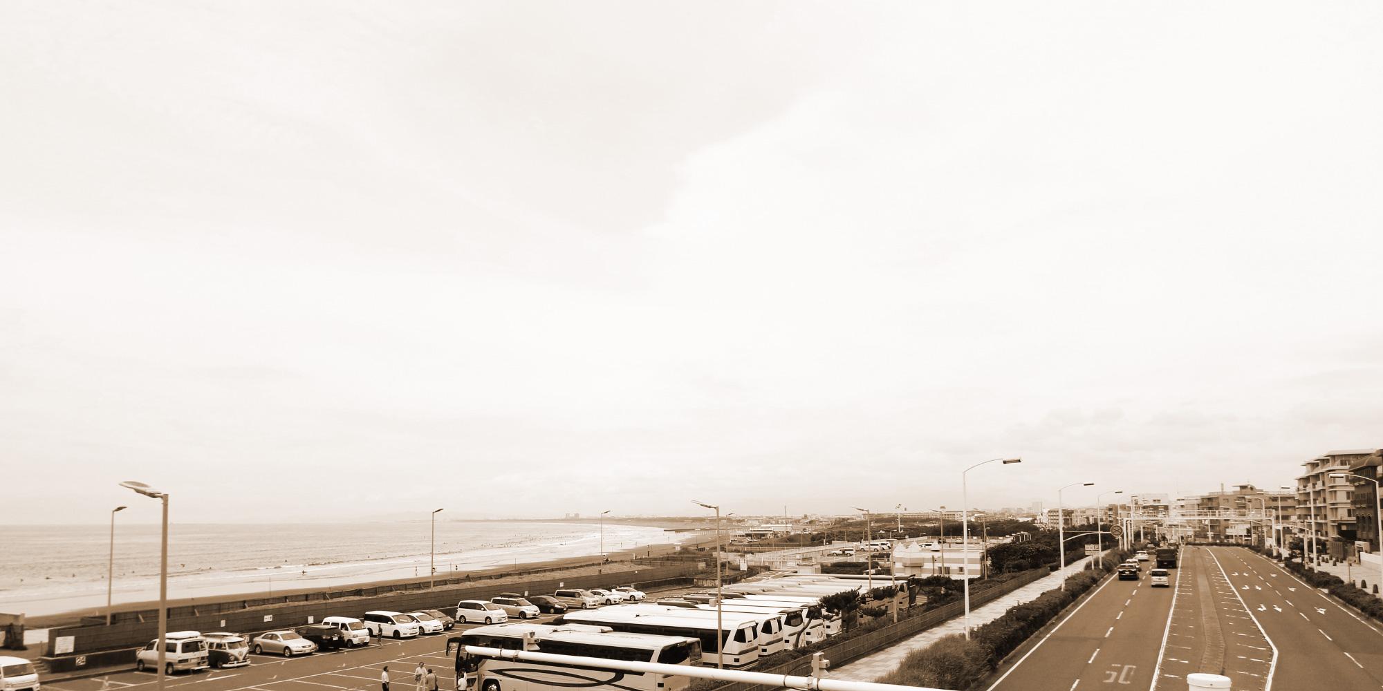 セピアの海岸通り